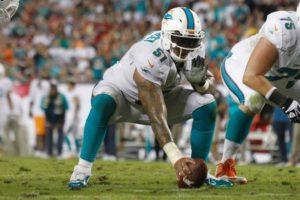 mike-pouncey-nfl-miami-dolphins-tampa-bay-buccaneers1